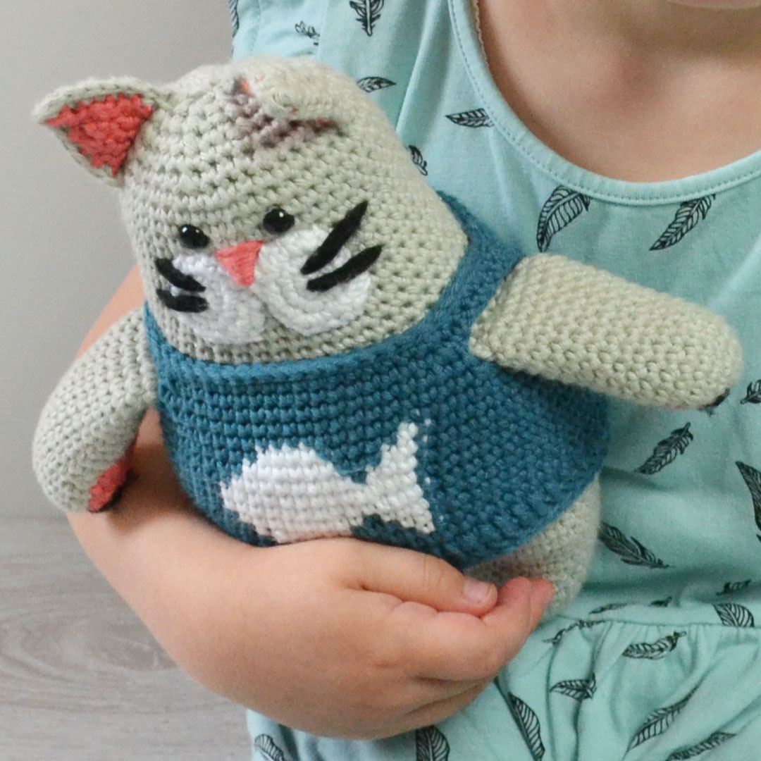 Oscar Cat Crochet Pattern by April Towriess