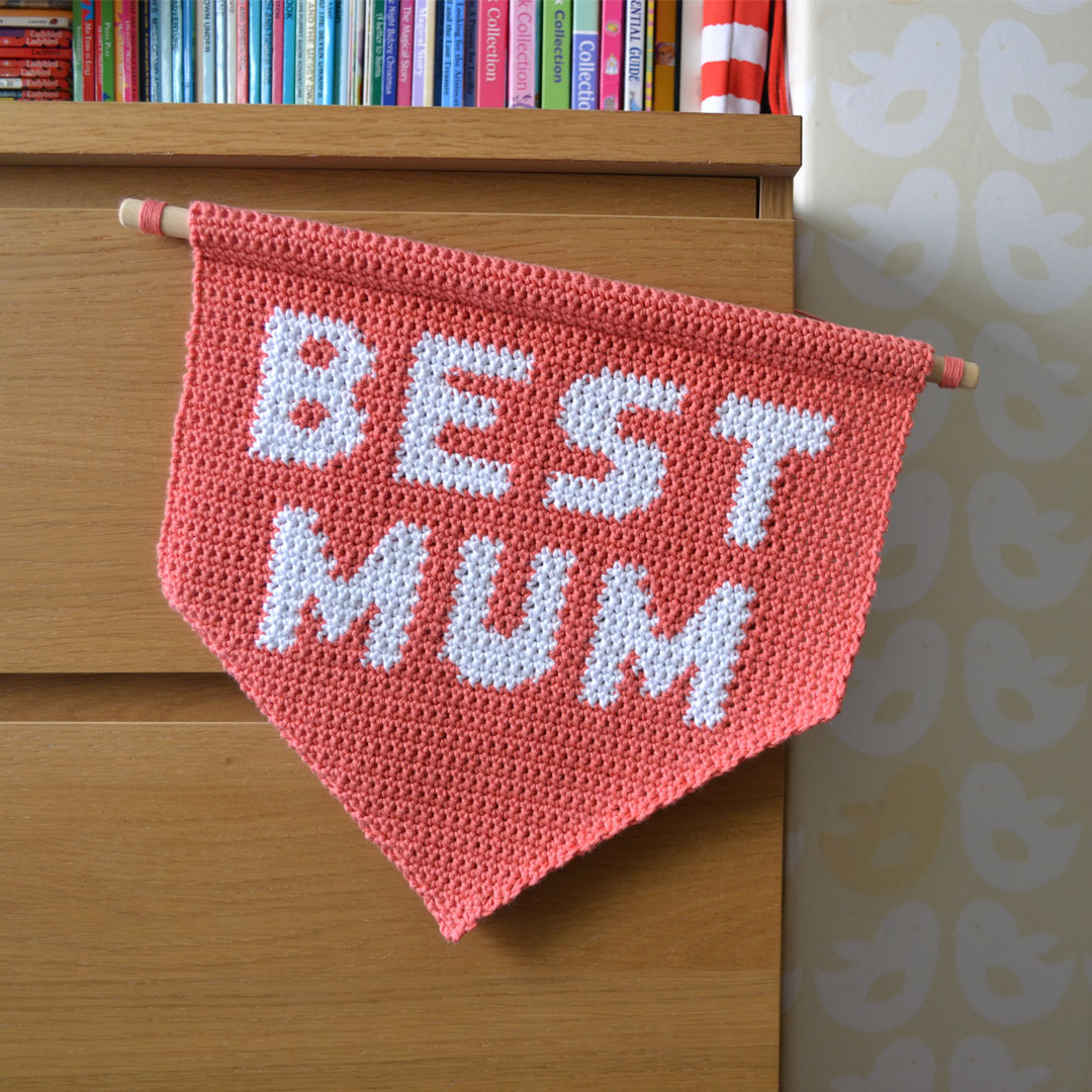 Crochet Best Mum Wall Hanging Pattern by April Towriess