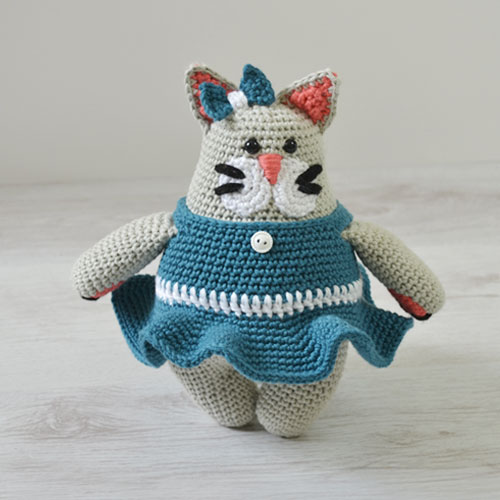 Betty Cat Crochet Pattern by April Towriess