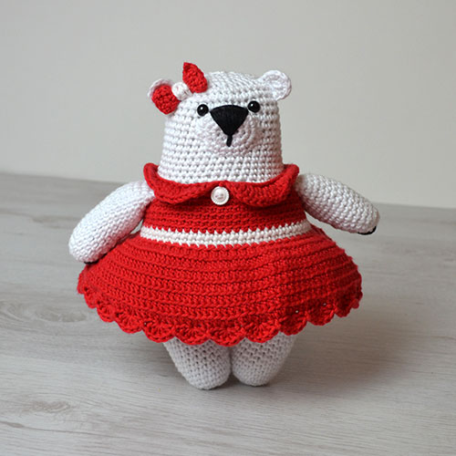 Peggy Polar Bear Crochet Pattern by April Towriess